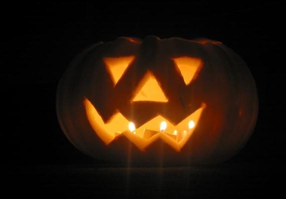 Halloween. Zucche e streghe, santi e defunti